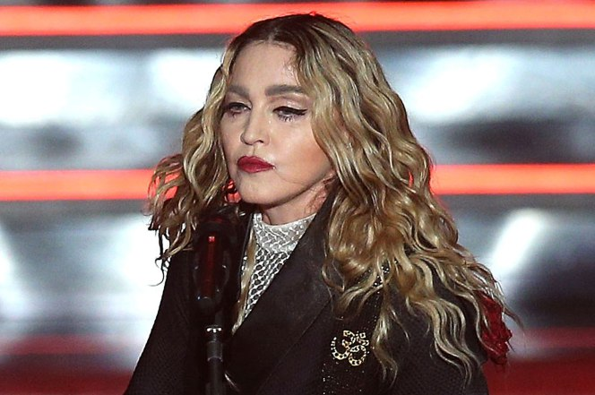 'Someone please f–k me': Madonna Has A BIZARRE Alcohol Fueled Onstage Meltdown